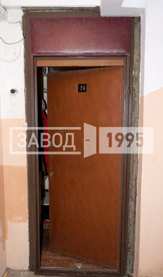 металлическая дверь со смотровым окном цена